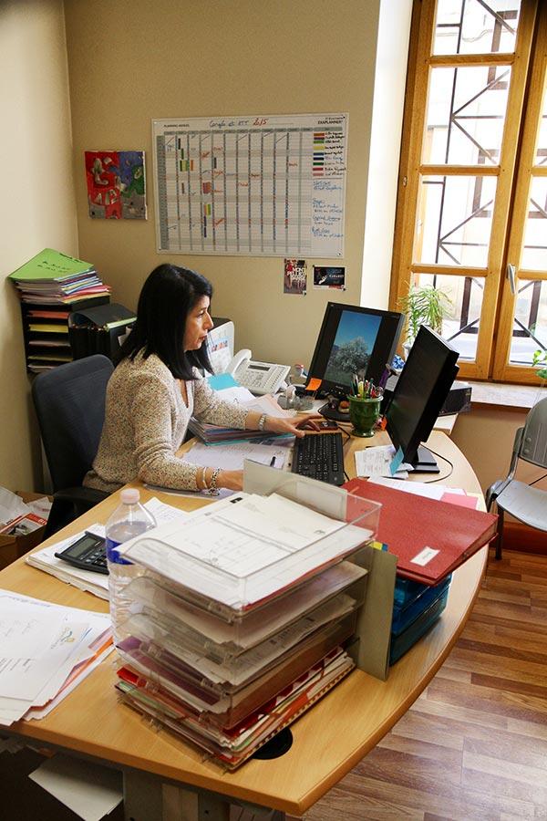visuel_int4_Services_administratifs