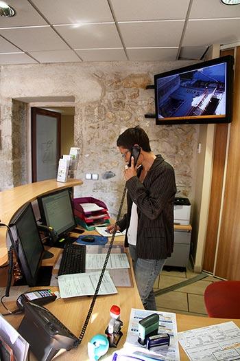 visuel_int_Services_administratifs